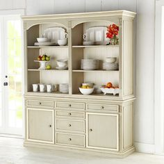 French country buffet- definitely want this for my future kitchen French Country Cottage, French Country Style, Colorful Furniture, Painted Furniture, Buffet Console, Furniture Update, House Inside, Home Living Room, Home Furnishings
