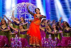 Bollywood Dance :Madhuri Dixit during her performance at SAIFTA!