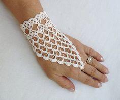 PDF Tutorial Crochet Pattern Fingerless von accessoriesbynez