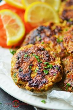 Chicken Chapli Kabab recipe with 7 incredible tips & Tricks. The post also includes how to keep Chapli Kabab super soft & prevent them from breaking with a Video. Easy Indian Recipes, Ethnic Recipes, Chicken Keema, Tandoori Chicken, Afghan Food Recipes, Indian Chicken, Easy Chicken Recipes, Chicken Snacks, Yum Yum Chicken