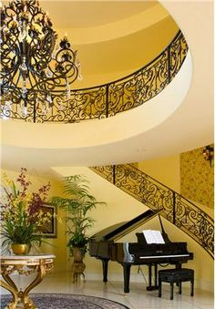 Traditional (Victorian, Colonial) Foyer by Tracy Murdock, love the railing. Very elegant.. www.thailandlifestyleproperties.com     www.rayongthailandproperties.com.au