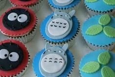 Totoro - cupcakes with fondant