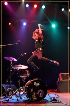 Slim Jim Phantom - Amazing drummer for Stray Cats