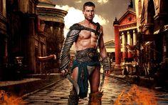 Spartacus was de leider van het slavenleger en de bedenker van de ingenieuze tactieken. Doordat hij zelf nog in een Romeins garnizoen heeft gestreden, wist hij welke tactieken ze toepasten. Daardoor wist hij ook goed waar hun zwakke plekke waren. Maar hij zorgde er ook voor dat er discipline in het leger was. Hij kon ook goed het moraal opkrikken voor een veldslag en hij sprak zijn mannen moed in.