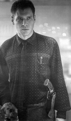 Harrison Ford as Rick Deckard in 'Blade Runner' (1982). Costume Designer: Michael Kaplan