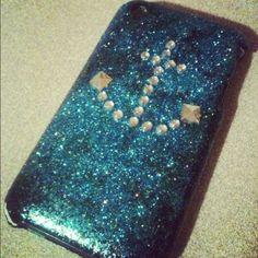 Homemade anchor phone case. <3