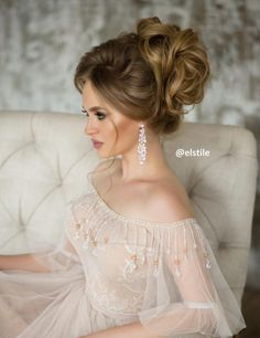 Elstile wedding updo hairstyle - Deer Pearl Flowers / http://www.deerpearlflowers.com/wedding-hairstyle-inspiration/elstile-wedding-updo-hairstyle-2/