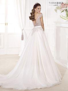 Tarik Ediz Wedding Dresses 2014 Collection Part II. To see more: http://www.modwedding.com/2014/08/06/tarik-ediz-wedding-dresses-2014-collection-part-ii/ #wedding #weddings #wedding_dress