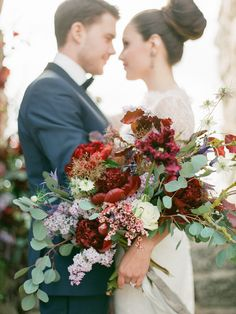 Photography : 2 Brides Photography Read More on SMP: http://www.stylemepretty.com/little-black-book-blog/2016/10/15/chic-floral-swedish-styled-shoot/