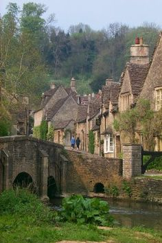 Castle Combe in the Cotswolds, Wiltshire, England. There are no satellite dishes allowed in the village, even telephone lines are disguised to preserve the beauty. England Ireland, England And Scotland, Oh The Places You'll Go, Places To Travel, Places To Visit, Castle Combe, English Village, English Countryside, British Isles
