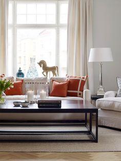 Et hint av orange i stuen House, Furniture, Orange, Home Decor, Design, Home, Haus, Interior Design, Home Interior Design