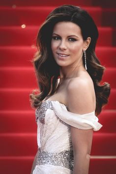 Kate Beckinsale's hair. So perfect.