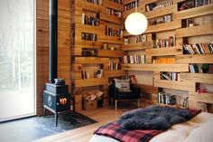 """The architects from Studio PADRON designed a particularly cosy wooden house, in the very Norwegian style. This construction called Hemmelig Rom Cabin (""""th Interior Exterior, Interior Design, Interior Photo, Secluded Cabin, Wooden Cabins, Home Libraries, Secret Rooms, Cozy House, Home Decor Inspiration"""