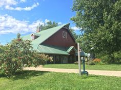 Here's Why You'll Want To Take Wisconsin's Great River Road Wine Trail