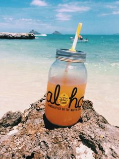 "HAWAII, aloha! - suckerforthesea: ""Best lemonade on the island! Instagram: @megganbibiana"" ༻ travel ✈ : Hawaii ♥༻"