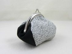 Black and white coin purse, cotton coin purse, metal framed purse, coin pouch, kiss lock coin purse by JRsbags on Etsy