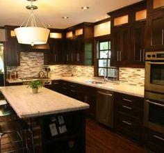 Kitchen Design: Contrast Brown Kitchen Cabinets with White Granite Countertops Oak Kitchen, Brown Kitchen Cabinets, Mission Style Kitchens, Kitchen Cabinet Styles, Kitchen Cabinet Remodel, Mission Style Kitchen Cabinets, Home Kitchens, New Kitchen Cabinets, Kitchen Design