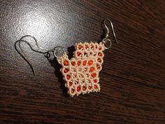 Micromacrame earrings.