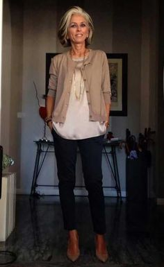 Comfy Casual Outfit for 50 Year Old Woman Source by outfits . - Business Casual Outfits for Women Over 60 Fashion, Over 50 Womens Fashion, Fashion Over 50, Look Fashion, Fashion Hair, Street Fashion, Fall Fashion, Badass Women Fashion, Tall Women Fashion
