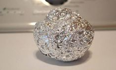 Roll some aluminum foil into a ball and toss it into the dryer to soften your clothes and prevent static cling. You can use it many times - just leave it in your dryer for the next load of clothes! Diy Cleaning Products, Cleaning Hacks, Car Cleaning, Cleaning Solutions, Static Cling, Laundry Hacks, Home Hacks, Kitchen Hacks, Household Items