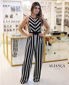 Love this jumpsuit! Classy Casual, Classy Dress, Casual Summer, Classy Outfits For Women, Clothes For Women, Stylish Outfits, Fashion Outfits, Party Dress, Amazon Dresses