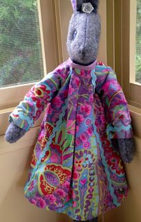 Bendigo Lioness: Making Luna Lapin - Blog Hop Cute Sewing Projects, Fabric Animals, Cute Bears, Stuffed Toys Patterns, Softies, Doll Toys, Doll Clothes, Free Pattern, Knit Crochet
