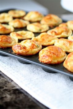 Scallion gruyere popovers... I love popovers
