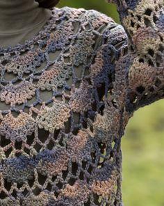 透かし模様のセーター