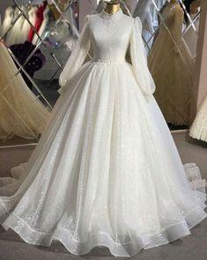 Muslimah Wedding Dress, Muslim Wedding Dresses, Lace Wedding Dress, Dream Wedding Dresses, Wedding Gowns, Lace Dress, Wedding Hijab, Muslim Brides, Muslim Girls