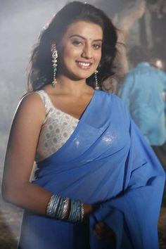 Akshara Singh HD Wallpapers, New Photo, Pic, Image in Saree Bhojpuri Actress, Actress Navel, Cinema Actress, Actress Pics, Beautiful Girl Photo, Beautiful Girl Indian, Most Beautiful Indian Actress, Hot Actresses, Indian Actresses