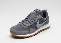 Nike Wmns Air Pegasus 83 (Dark Grey / Stealth - Black)