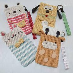 Iphone case More details on my etsy shop☺ Thank you Crochet Wallet, Crochet Pouch, Crochet Diy, Easy Crochet Projects, Crochet Purses, Love Crochet, Crochet Gifts, Crochet Dolls, Mobiles En Crochet
