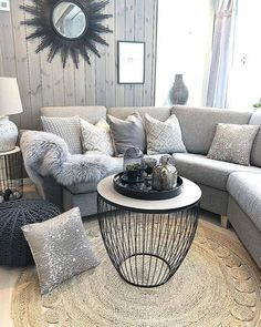 Bygget drømmehuset fra Fiskarhedenvillan Interior Styling, Interior Decorating, Interior Design, Couch, Sofa, Interior Inspiration, Sweet Home, Shabby Chic, Pillows