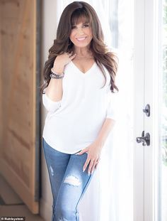 Marie Osmond EXCLUSIVE: The star reveals her son begged her to lose a decade ago Marie Osmond Hot, Donny Osmond, Beautiful Celebrities, Beautiful Actresses, Beautiful Women, Payton List, The Osmonds, Bombshell Beauty, Old Hollywood Stars