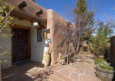 This fabulous two level, two bedroom, two bath home within walking distance to the Santa Fe Plaza features Mexican tile accents and spectacular city and mountain views. Enjoy an evening of dining and ...
