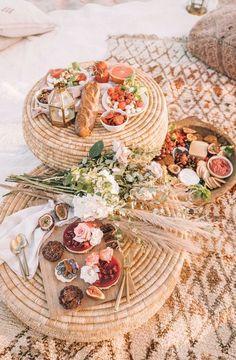 BEACH PICNIC – Spell & the Gypsy Collective, lovely idea for a garden outdoor party Beach Picnic, Summer Picnic, Beach Party, Garden Picnic, Beach Dinner, Beach Night, Summer Fall, Fall Winter, Autumn