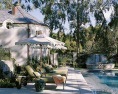pool pool yard    elegant yard