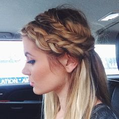 """""""Today's rainy day braids ☔️ and the perfect contour with @physiciansformula bronzer #RxforGlamour #nyfw"""""""