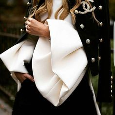 Details💫💫💫 #moda #trend #style #stilönerileri #stil #instagood #instaphoto #ayakkabi #kadın #kombin #like4like #like #photography #photooftheday #çanta #luxury #lüks #detay #details