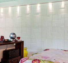 Revestimento Palazzo: Tetris Ele foi inspirado em um famoso jogo eletrônico e faz referência aos formatos icônicos do game. Através da suavidade do desenho, com formas e relevo leves e acabamento liso, as peças também incluem delicadeza ao ambiente.  #villabelarevestimentos #arquitetura #architecture #interior #arquiteto #architect #archilovers #decorador #decor #decoração #design #designinteriores