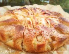 Нежный пирог с устойчивой корочкой, который съедается моментально после выпечки. В интернете я его нашла, как итальянский пирог. Рекомендую.
