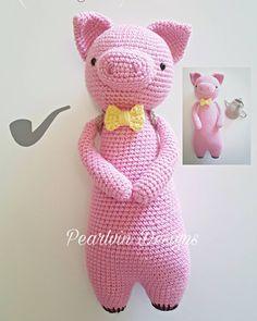 Tall Pig made by pearlvin_designs. Crochet pattern by Little Bear Crochets: www.littlebearcrochets.com ❤️ #littlebearcrochets #amigurumi