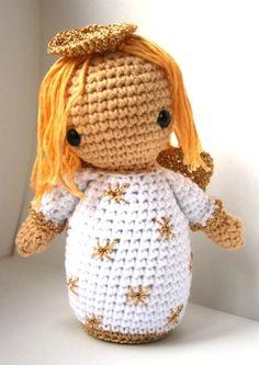 crochet angel by Christel Krukkert Inspiracion ✿⊱╮Teresa Restegui… Diy Crochet, Crochet Crafts, Crochet Dolls, Crochet Baby, Crochet Projects, Amigurumi Patterns, Amigurumi Doll, Crochet Patterns, Christmas Angels