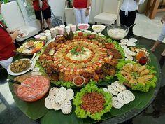 Nasi Liwet, Indonesian Food, Rice Bowls, Sea Food, Thai Recipes, Afternoon Tea, Tart, Buffet, Table Settings