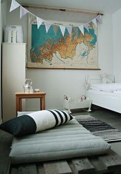 10 habitaciones infantiles decoradas con láminas vintage