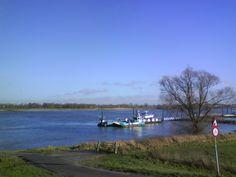 Millingen aan de Rijn in Gelderland Je kunt hier met het pondje over