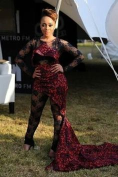 Thando Thabete at the Vodacom Durban July 2015 (Source All 4 Women) Durban South Africa, Old Photos, That Look, Formal Dresses, Women, Fashion, Old Pictures, Dresses For Formal, Moda