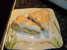 Das perfekte Stachelbeer-Kuchen mit Baiserdecke-Rezept mit einfacher Schritt-für-Schritt-Anleitung: Eier trennen. Eigelb mit 80 g Zucker schaumig rühren…