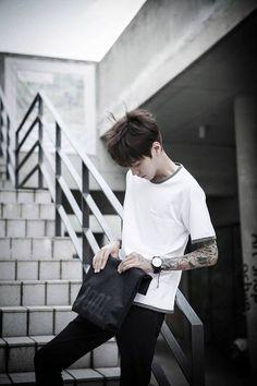 2018 Nice Asian Men Hairstyles For Goodly Men Korean Fashion Minimal, Korean Fashion Winter, Korean Street Fashion, Asian Fashion, Boy Fashion, Style Ulzzang, Korean Fashion Ulzzang, Ulzzang Boy, Pretty People