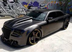 Fierce Chrysler 300C SRT8 370 HEMI